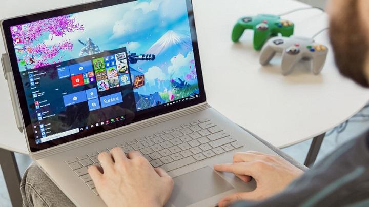 laptop,kupuvane, vnimanie