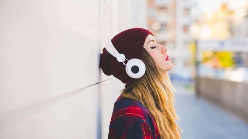 softuer, izteglqne, muzika